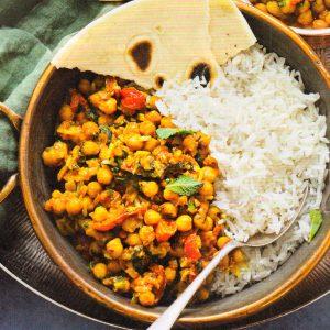 Чана масла, индийский карри из нута с рисом