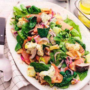 Салат из солёных грибов с курицей и ананасами