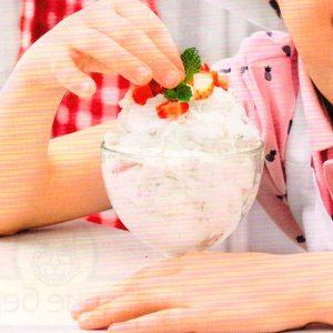 Сливочный десерт с маршмеллоу и первой клубникой