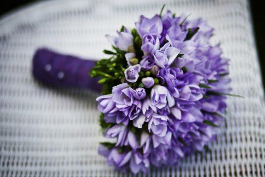 Доставка букетов цветов помогает объединять одинокие сердца