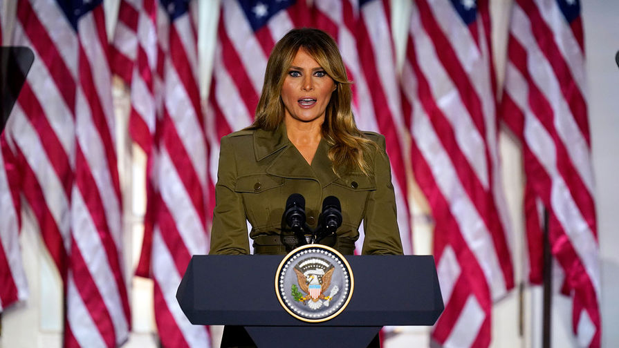 Первая леди США Меланья Трамп призвала учитывать законные голоса, которые были отданы в ходе выборов главы Белого дома. Об этом она написала в своем Twitter.