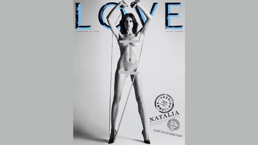 Российская модель Наталья Водянова снялась обнаженной для для глянцевого издания LOVE. Фотографии были опубликованы в Instagram издания