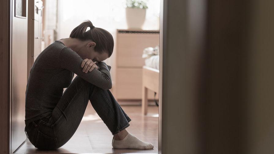 Психологи считают, что «предновогодняя депрессия» не является самостоятельным психологическим заболеванием, это лишь следствие других ментальных проблем человека. Об этом сообщает ТАСС.