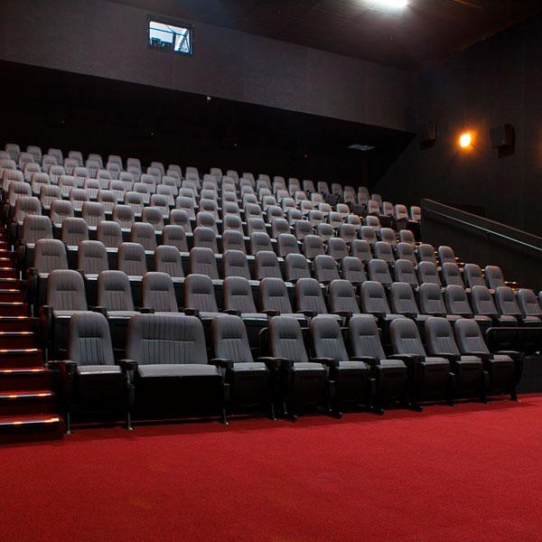 Почему необходимо посещать кинотеатры