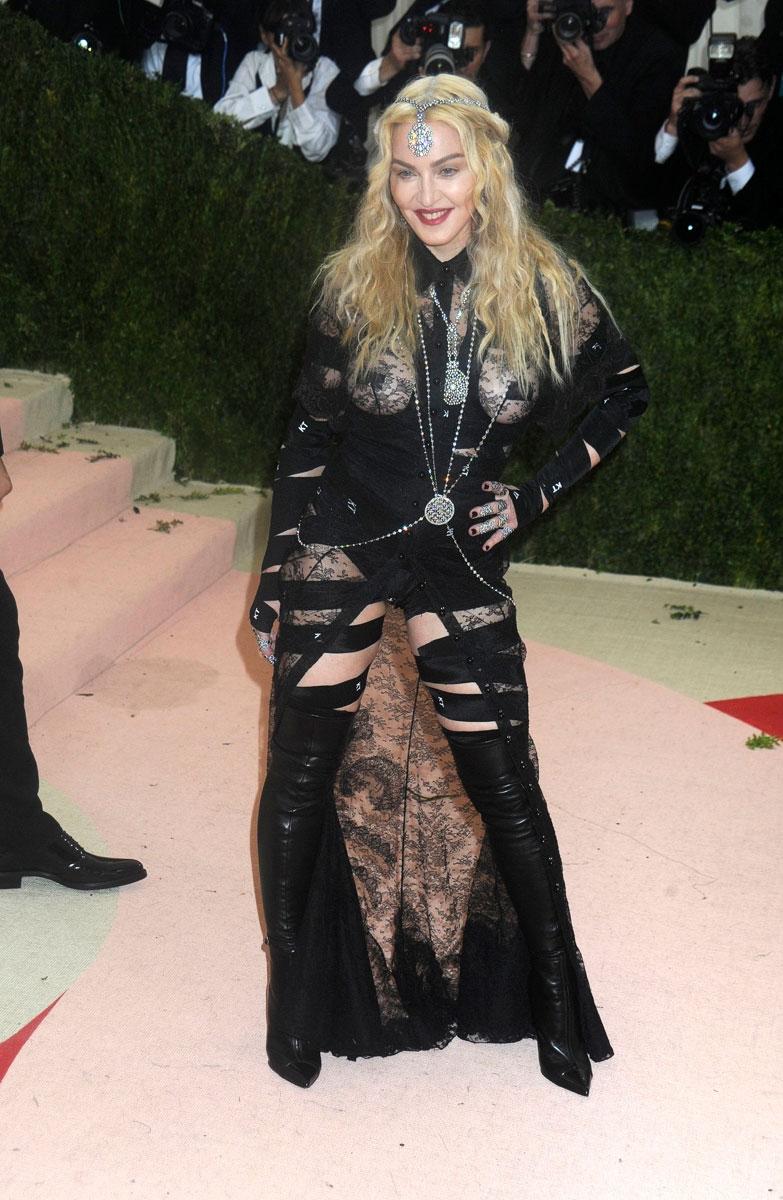 Мадонна в прозрачном