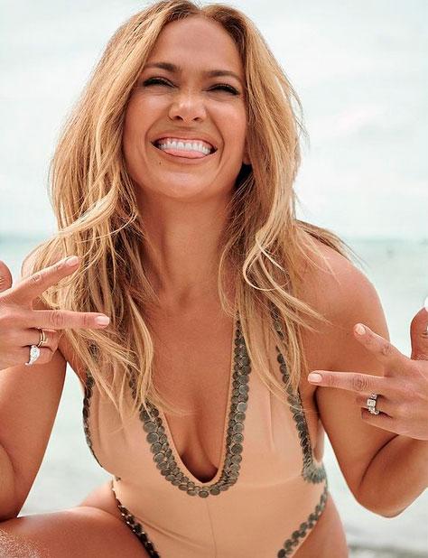 Дженнифер Лопез стала героиней специального выпуска журнала InStyle. 51-летняя певица приняла участие в пляжной фотосессии